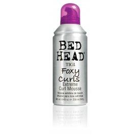 Tigi Bed Head Foxy Curls Extreme Curl göndörítő hab, 250 ml